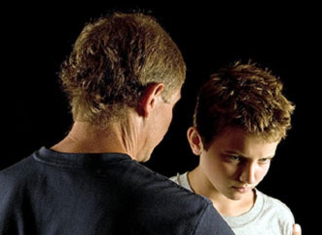 dad-teen-son-talking-tense-discipline
